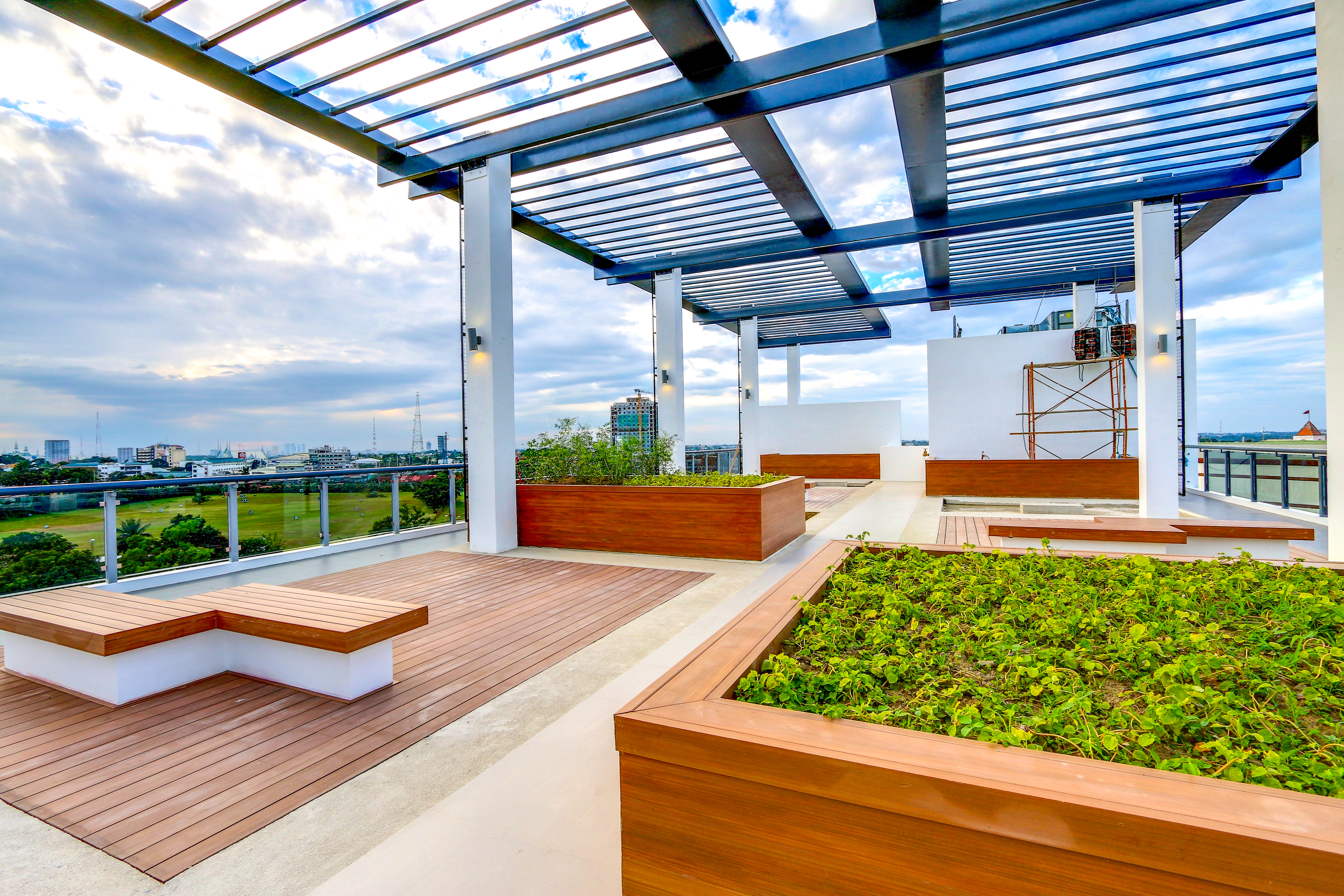 The roofdeck at Osmeña West Tower   The Residences at Commonwealth by Century