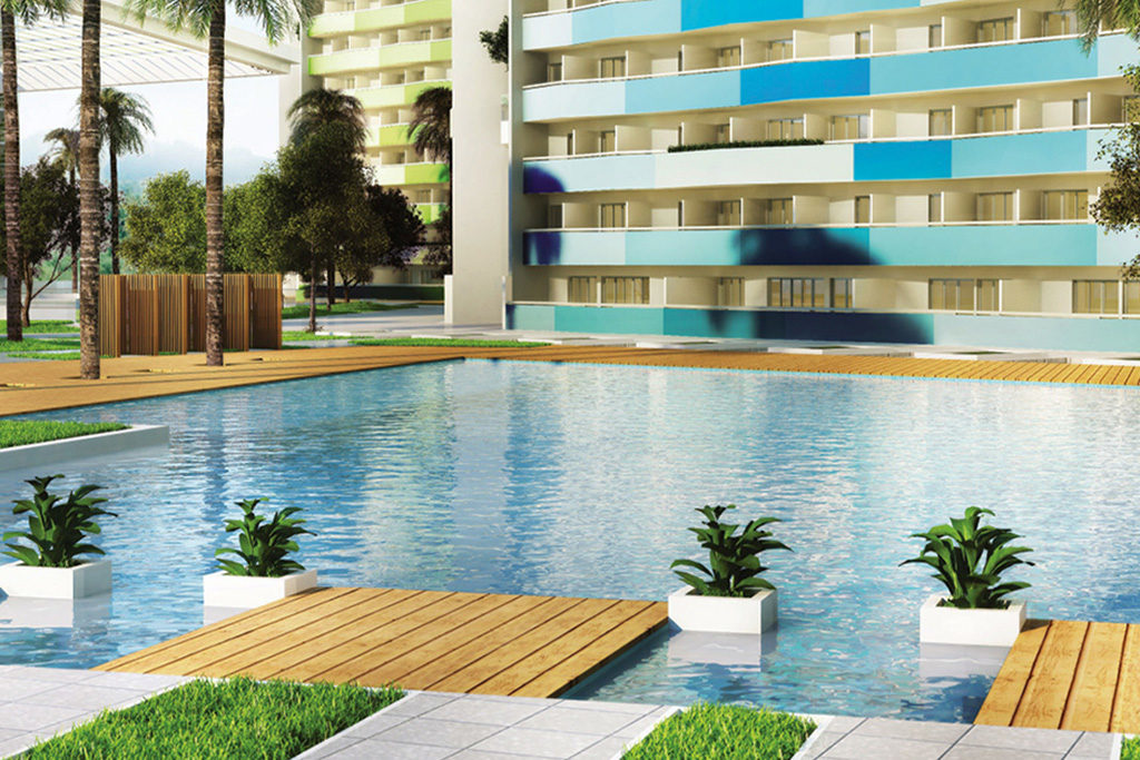 commonwealth residences lap pool