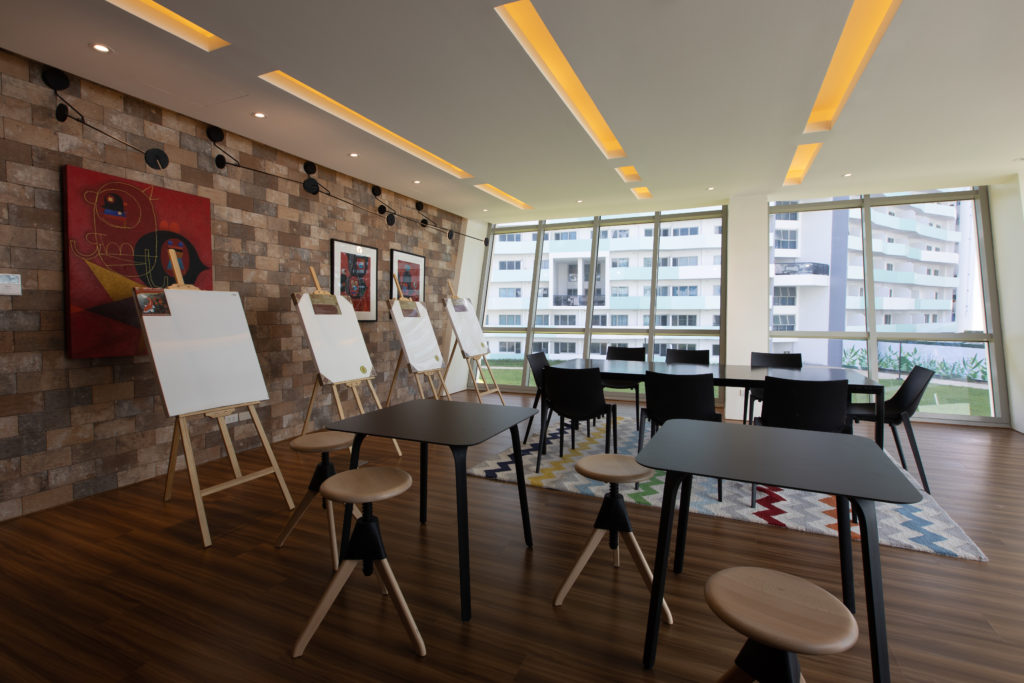arts and craft at the residences at commonwealth by century