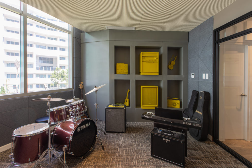 rock and roll studio at the residences at commonwealth by century