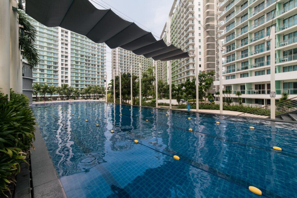 azure lap pool